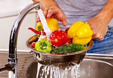 Miért kell megmosni a zöldséget, gyümölcsöt?
